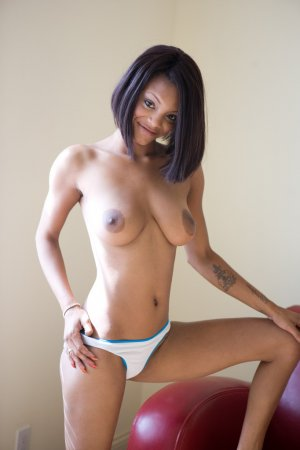 Shama cameltoe escorts in Huntington Beach